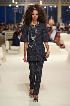 Chanel: The Show | SULTAN OF STYLE: CHANEL CRUISES TO DUBAI FOR RESORT 2015