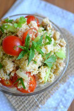 Sałatka z kaszą kuskus, z kurczakiem i pomidorkami Potato Salad, Salads, Potatoes, Cooking, Ethnic Recipes, Lunch Ideas, Food, Kitchen, Potato