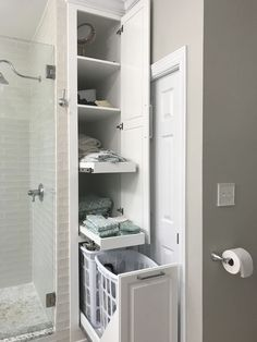 27 Beautiful Farmhouse Master Bathroom Decor Ideas And Remodel. If you are looking for Farmhouse Master Bathroom Decor Ideas And Remodel, You come to the right place. Here are the Farmhouse Master Ba. Diy Bathroom Decor, Bathroom Renos, Bathroom Organization, Bathroom Cabinets, Remodel Bathroom, Bathroom Mirrors, Bathroom Closet, Bathroom Designs, Simple Bathroom
