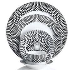 Lo blanco y negro sigue siendo un clásico. Perfecto para cualquier hogar y ocasión. Vajilla exclusiva de Iskia.