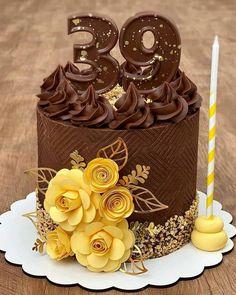 New Cake Design, Cake Designs For Girl, Wedding Cake Designs, Crazy Birthday, Pretty Birthday Cakes, Traditional Wedding Cakes, Traditional Cakes, Chocolate Fudge Cake, Chocolate Gifts