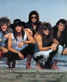 Bon Jovi, Just awesommeeee Jon Bon Jovi, Bon Jovi 80s, 80s Rock Bands, Cool Bands, 1980s Bands, Glam Rock, Rock Roll, Freddie Mercury, Music Love
