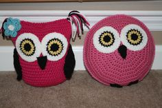 Handmade to order. Crochet Owl Pillows, Burlap Pillows, Decorative Pillows, Diy Cushion Covers, Pillow Covers, Remodels And Restorations, Pillow Tutorial, Heart Pillow, Pattern Library