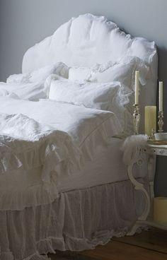 ~ from Bella Notte linens.  Just got this duvet for Juliet!  Heavenly!