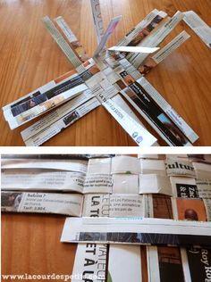 Un panier en papier tressé pour les petites mains  La cour des petits Origami Lamp, Origami Paper Art, Diy Paper, Diy Crafts Magazine, Recycler Diy, Diy Old Books, Papier Diy, Candle Making Business, Cardboard Sculpture