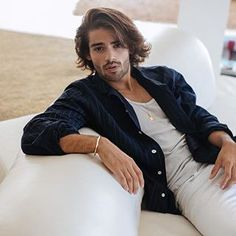 All about books, sofas and waiting for friends Style Fashion, Mens Fashion, Man Character, Guy Style, Dream Guy, Save Image, Cute Boys, Sofas, Waiting