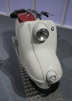 BMW R10