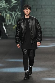Jang Ki Yong - Supercomma Fall 2015 Seoul Fashion Week