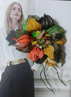 """Купить Брошь из кожи """"Осенний поцелуй..."""" - разноцветный, брошь из кожи, украшения из кожи"""