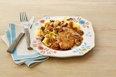 Make Pork Marsala with Mushrooms Tonightthepioneerwoman Pork Recipes, Pork Meals, Cooking Recipes, Recipies, Chicken Pork Recipe, Chicken Recipes, Pork Marsala, Chicken Marsala, Pioneer Woman Pork Chops