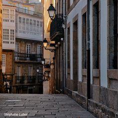 Descubre A Coruña y sus principales monumentos recorriendo el tramo del Camino Inglés que atraviesa la ciudad.