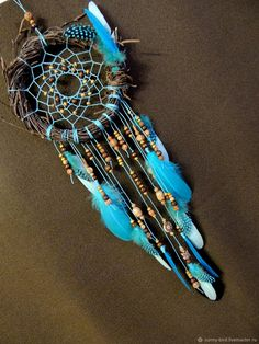 Garden dream catcher ideas ideas for 2019 Dream Catchers, Dream Catcher Decor, Dream Catcher Boho, Dreamcatcher Design, Indian Arts And Crafts, Dream Catcher Native American, Feather Crafts, Beautiful Dream, Cool Diy Projects