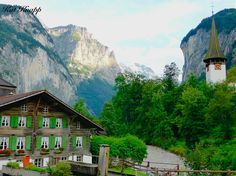 Oh Switzerland. My mind struggles to recreate the memory of the sheer beauty of the Swiss Alps – Such pristine natural magnificence, littered with charming flower-box bearing villages. (Lauterbrunnen)