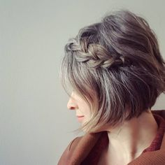 Chic Hairstyles, Short Bob Hairstyles, Hairstyle Ideas, Braided Hairstyles, Hair Ideas, Wedding Hairstyles, Grey Hair Journey, Grey Hair Roots, Try Different Hairstyles