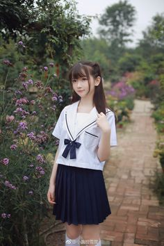 Japanese School Girl Cosplay ❁[Ane of The Wild Hunt]❁ School Girl Japan, School Uniform Girls, Girls Uniforms, Japan Girl, Cute Asian Girls, Beautiful Asian Girls, Cute Girls, Cute Kawaii Girl, Cute Japanese Girl