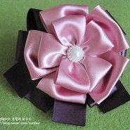 Ribbon bow hairclip