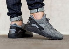 Nike Air Huarache Fleece TP Tech Pack