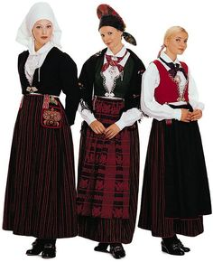 Stein Sjølie Vest-Agder, Female Bunad comes in three variants: a crinkled, puckered one and a striped