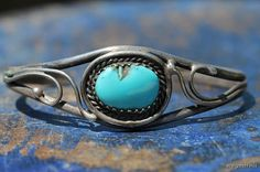 Vintage Southwestern Navajo Style Sterling Silver and Turquoise Bracelet
