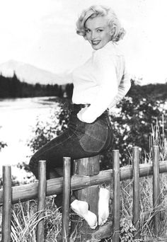 "Marilyn Monroe photographed in Canada, 1953.Relaxing break for Marilyn in her cottage ""Banff Springs Hotel"" during the filming of ""River of No Return"", started in 1953 and released in cinemas in 1954."