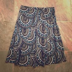"""Skirt New York & Company cotton skirt with Zipper on the side. Size 6 23"""" long New York & Company Skirts"""