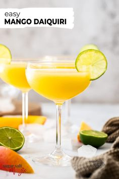 Blending with ice makes this Mango Daiquiri the perfect summer cocktail. Sweet and brimming with mango flavour, this colourful drink is also very easy to make. Mango Vodka, Mango Daiquiri, Mango Cocktail, Mango Drinks, Yummy Drinks, Daiquiri Cocktail, Rum Cocktails, Sweet Cocktails, Summer Cocktails