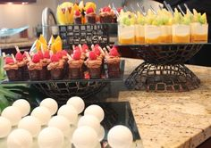 Stationary petite dessert display