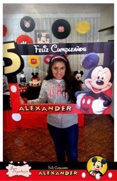 Fiesta Mickey Mouse: Marco tematico para fotos