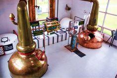 Die beiden Brennblasen in der Glenora Distillery