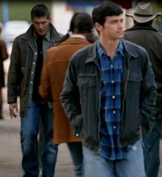 """4x03 In The Beginning - a screenshot of my favorite """"Dangerous Dean"""" moment for @jennssv 's collection. XD - Dean and John Winchester, Supernatural"""
