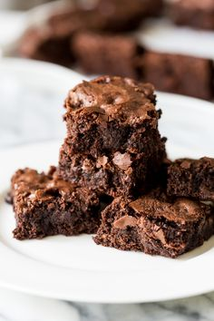 Gooey chocolate homemade brownies made from scratch are soon to be an instant favorite! Say goodbye to box mix brownies with this recipe! Gooey chocolate brownies made from scratch! Cookie Dough Cake, Chocolate Chip Cookie Dough, Chocolate Brownies, Caramel Brownies, Just Desserts, Delicious Desserts, Dessert Recipes, Party Recipes, Homemade Chocolate Chips
