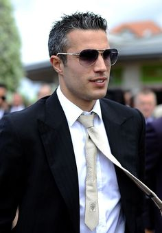 Dutch courage: Robin Van Persie looked sharp in a black suit, which he wore with sunglasses and a mushroom coloured tie Soccer Guys, Play Soccer, Soccer Players, Robin Van, Manchester United Players, Van Persie, Sir Alex Ferguson, Wayne Rooney, Surfer Girl Style