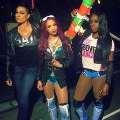 Tamina Sasha Banks & Naomi