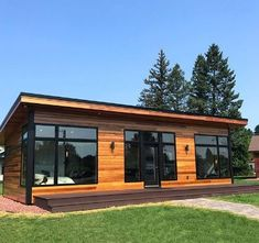 The Difference Cedar Siding Makes . Modern Tiny House, Tiny House Cabin, Tiny Cabins, Container House Design, Small House Design, Contemporary Garden Rooms, Backyard Office, Casas Containers, Luxury Restaurant