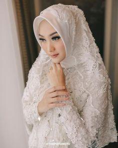Muslim Wedding Gown, Muslimah Wedding Dress, Hijab Style Dress, Muslim Wedding Dresses, Hijab Bride, Wedding Hijab, White Wedding Dresses, Wedding Gowns, Bridesmaid Dresses