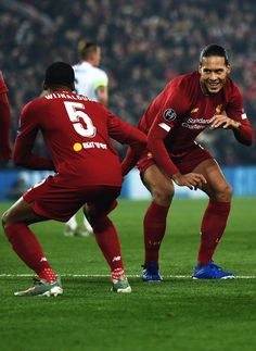 (1) - (@snappedlfc) / Twitter Football Players Images, Soccer Players, Liverpool Football Club, Liverpool Fc, Juergen Klopp, Sports Now, Virgil Van Dijk, You'll Never Walk Alone, Best Ab Workout