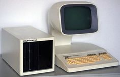 monochrome-monitor:Holborn 6140 Computer http://ift.tt/2uBNo5I