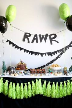 A modern and minimalist dinosaur birthday party, perfect for your dinosaur-loving child!