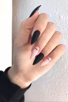 36 edgy ideas for matte black nails to break the manicure monotony page 31 Edgy Nails, Grunge Nails, Stylish Nails, Trendy Nails, Swag Nails, Pink Nails, Cute Nails, Glitter Nails, Cute Black Nails