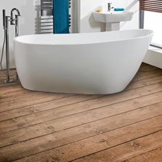 Bathe in luxury and comfort with the stunning Darcey freestanding bath from Phoenix