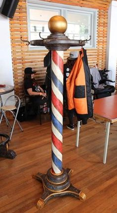 Staande Kapstok Recycle Barber Pole