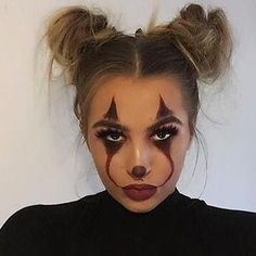 Are you looking for ideas for your Halloween make-up? Browse around this website for creepy Halloween makeup looks. Maquillage Halloween Clown, Halloween Makeup Clown, Last Minute Halloween Costumes, Halloween Makeup Looks, Costume Halloween, Halloween Outfits, Halloween Ideas, Halloween Recipe, Cute Clown Makeup