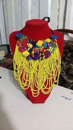 Diy African Jewelry, African Accessories, African Necklace, Big Jewelry, Fashion Jewelry Necklaces, African Beauty, African Women, Pinterest Diy Crafts, Moda Afro