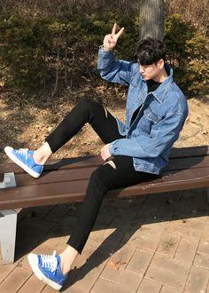감성,데일리룩. 룩파인 Korean Fashion Men, Korean Street Fashion, Kpop Fashion, Asian Fashion, Mens Fashion, Fashion Outfits, Fashion Guide, Cute Boy Outfits, Stylish Mens Outfits