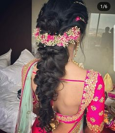 ideas indian bridal hairstyles for long hair beautiful hair hairstyles bridal 236579786663203633 Saree Hairstyles, Ethnic Hairstyles, Bride Hairstyles, Hairstyles Haircuts, Indian Hairstyles For Saree, Bollywood Hairstyles, Bridal Hairstyle Indian Wedding, Bridal Hairdo, Wedding Hairstyles For Long Hair