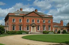Kelmarsh Hall, Northamptonshire - Built for the Hanbury family in the by… English Country Manor, English Manor Houses, English House, English Architecture, Georgian Architecture, Georgian Mansion, Georgian Homes, Indiana, Grand Homes