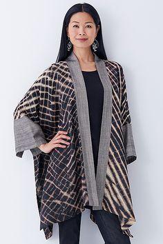 Amazing Outfits, Cool Outfits, Kimono Jacket, Kimono Top, Japanese Cotton, Shibori, Wearable Art, Tshirt Colors, Bali