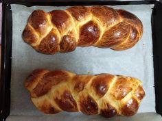 Τσουρέκια αφράτα και κορδωνάτα για μέρες!-evicita.gr Bread Cake, Baked Potato, Baking, Ethnic Recipes, Food, Bakken, Eten, Bread, Backen