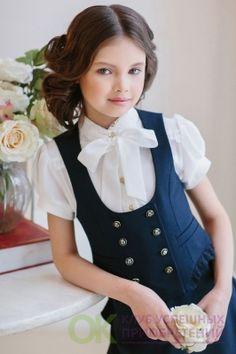 Sewing for kids school children trendy ideas Little Girl Outfits, Cute Girl Outfits, Little Girl Fashion, Cute Little Girls, Outfits Niños, Kids Outfits, School Fashion, Fashion Kids, Cute Dresses