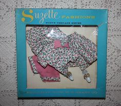 This is a wonderful Uneeda Suzette Fashion doll outfit. Circa The outfit is for the 10 inch Suzette fashion doll, and will also fit Little 1970s Dolls, Vintage Barbie Dolls, Vintage Outfits, Vintage Fashion, Little Fashion, Barbie Friends, Dollhouse Dolls, Collector Dolls, Barbie Clothes